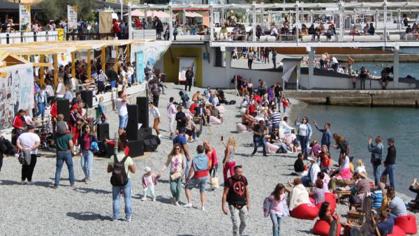 Абсолютное большинство туристов готовы рекомендовать отдых в Крыму родным и близким