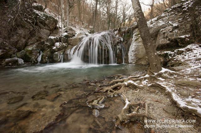 В Крыму среди зимы потеплело. Время прогуляться к водопадам!