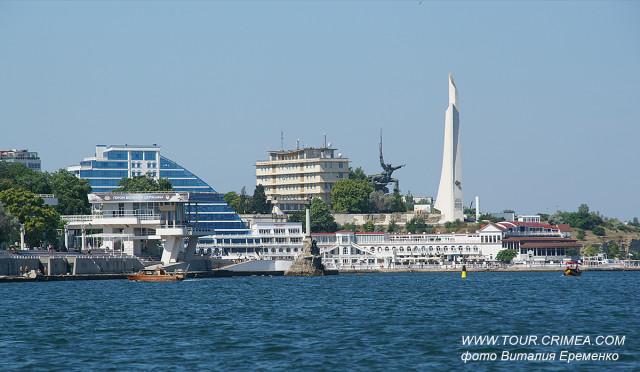 Морская прогулка-экскурсия по Севастопольской бухте.