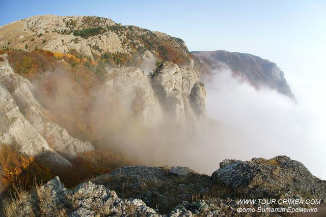 Ноябрь - время завораживающих туманов в Крыму.