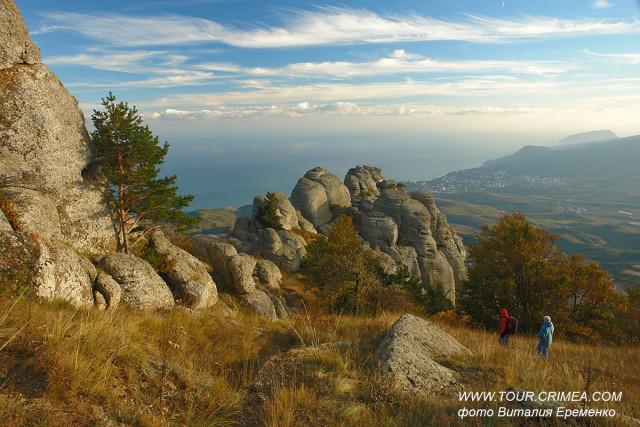 Сентябрь - отличное и комфортное время для походов в крымские горы!