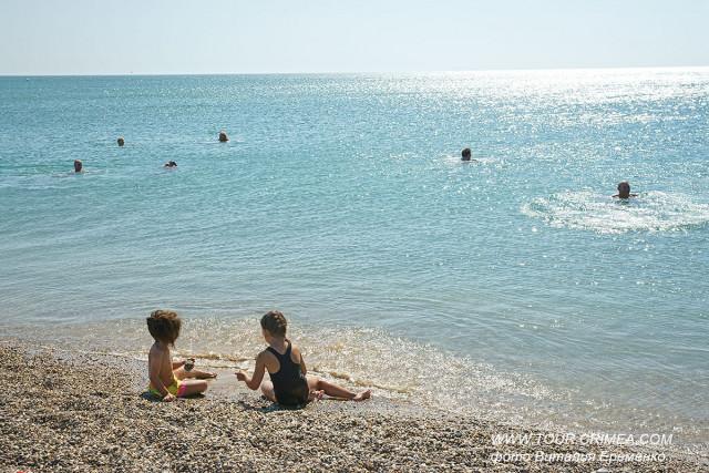 Купальный сезон в начале октября в Крыму продолжается! На полуостров вернулось лето!