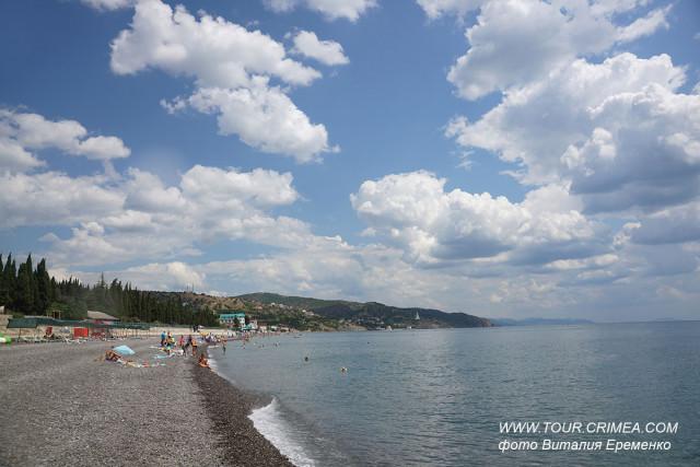 Галечный пляж в п.Солнечногорское. Красивейшие облака. Поездка на электровелосипеде по Южному берегу Крыма.