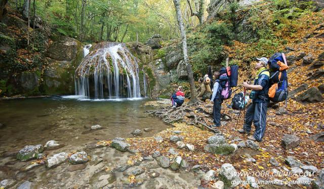 Походы к крымским водопадам летом после дождей.