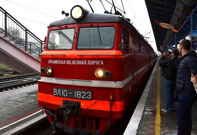 Стало известно, откуда отправятся поезда в Крым на майские праздники