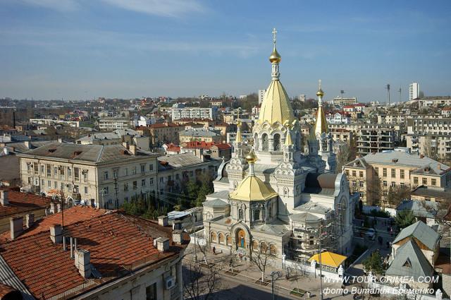 Вид на Покровский собор в Севастополе  с высоты птичьего полета.