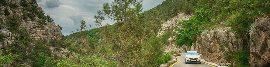 Живописная горная дорога по  каньону р.Узунджа.
